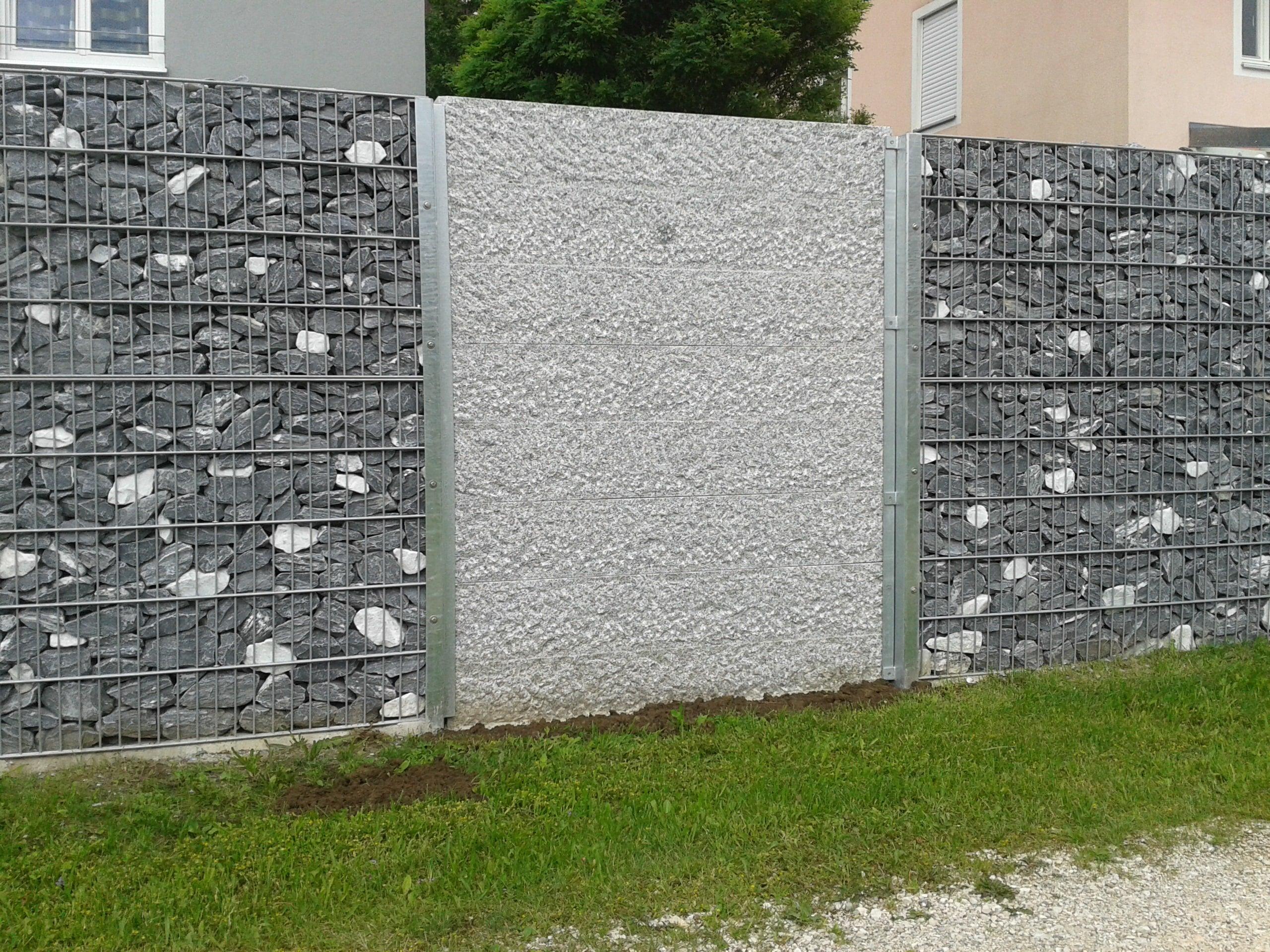 Gabionenmauer mit Natursteinen