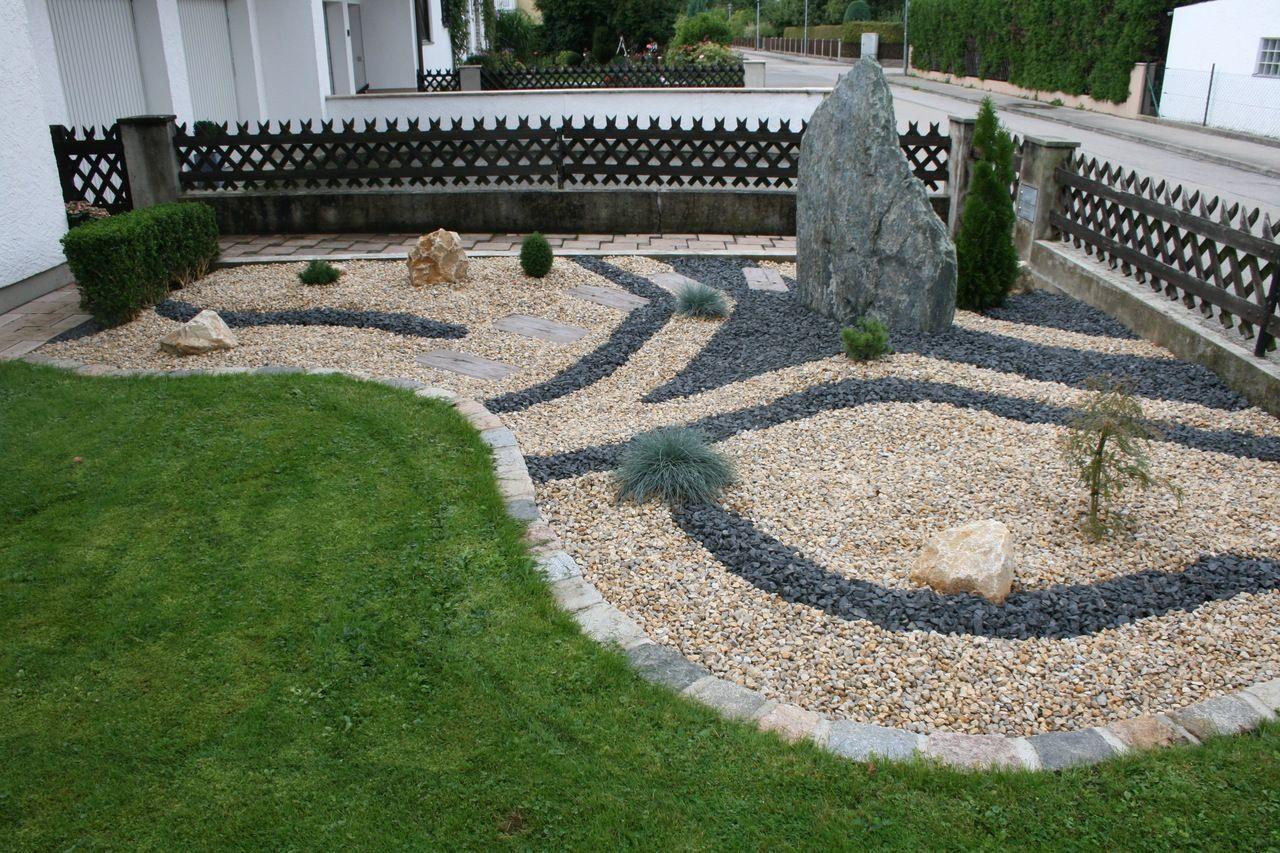 Gartengestaltung mit unterschiedlichem Steingut
