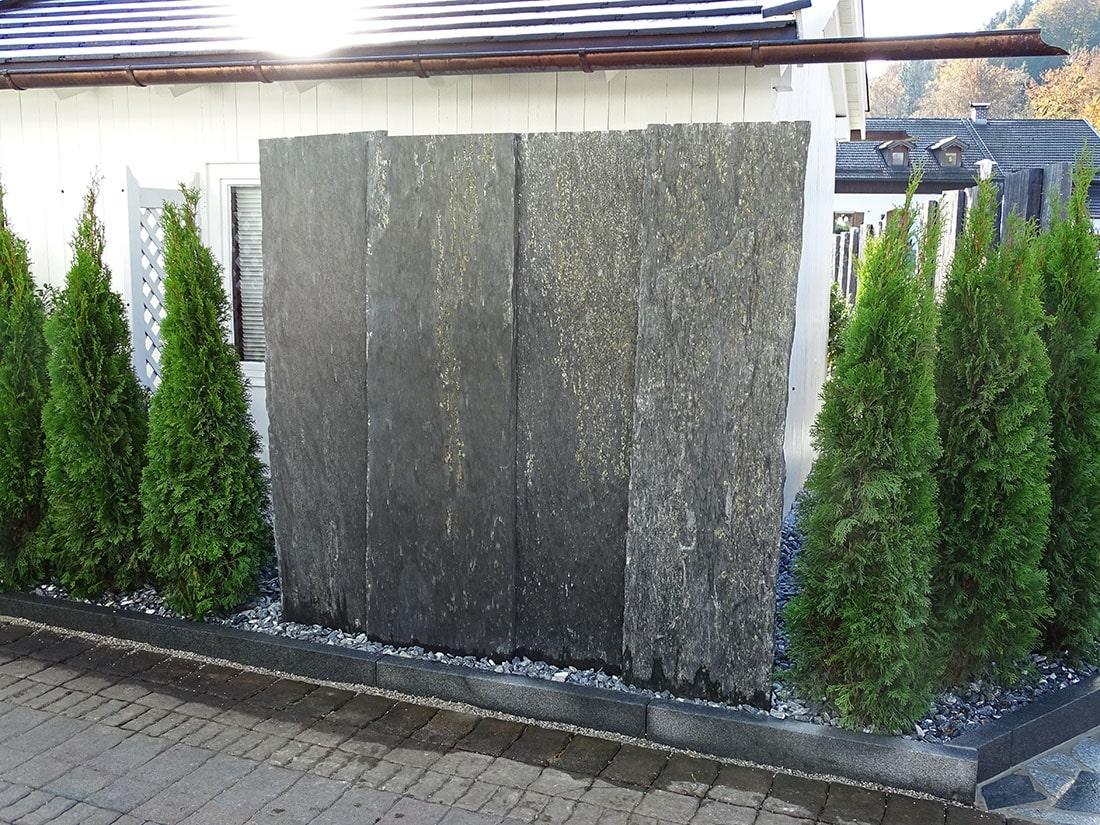 Sichtschutz aus Natursteinen